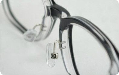 add adjustable metal nose pads to plastic frames